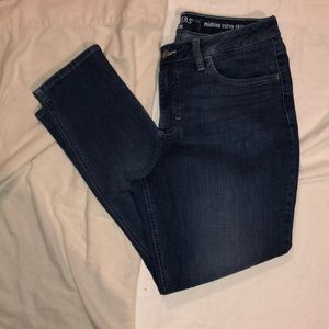 Lee jeans 10P midrise curvy skinny blue jeans.